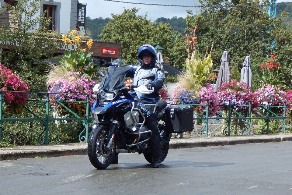 Motorrijbewijspoint Brabant examengarantie AVB en AVD